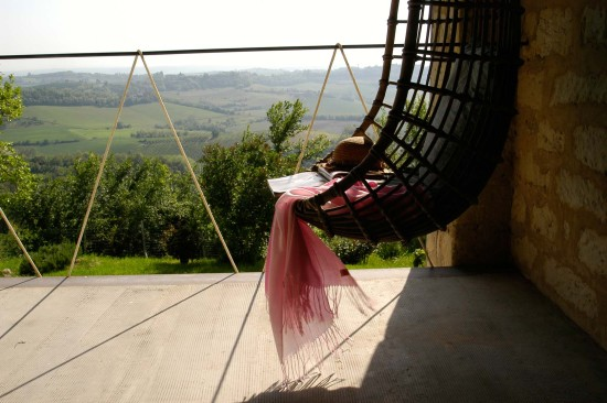 Rose bianche suite room panoramic view - Cascina rosa b&b, bed and breakfast in Monferrato