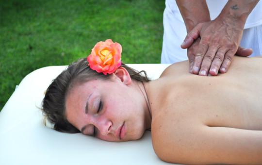 Massaggio decontratturante a Cascina rosa b&b